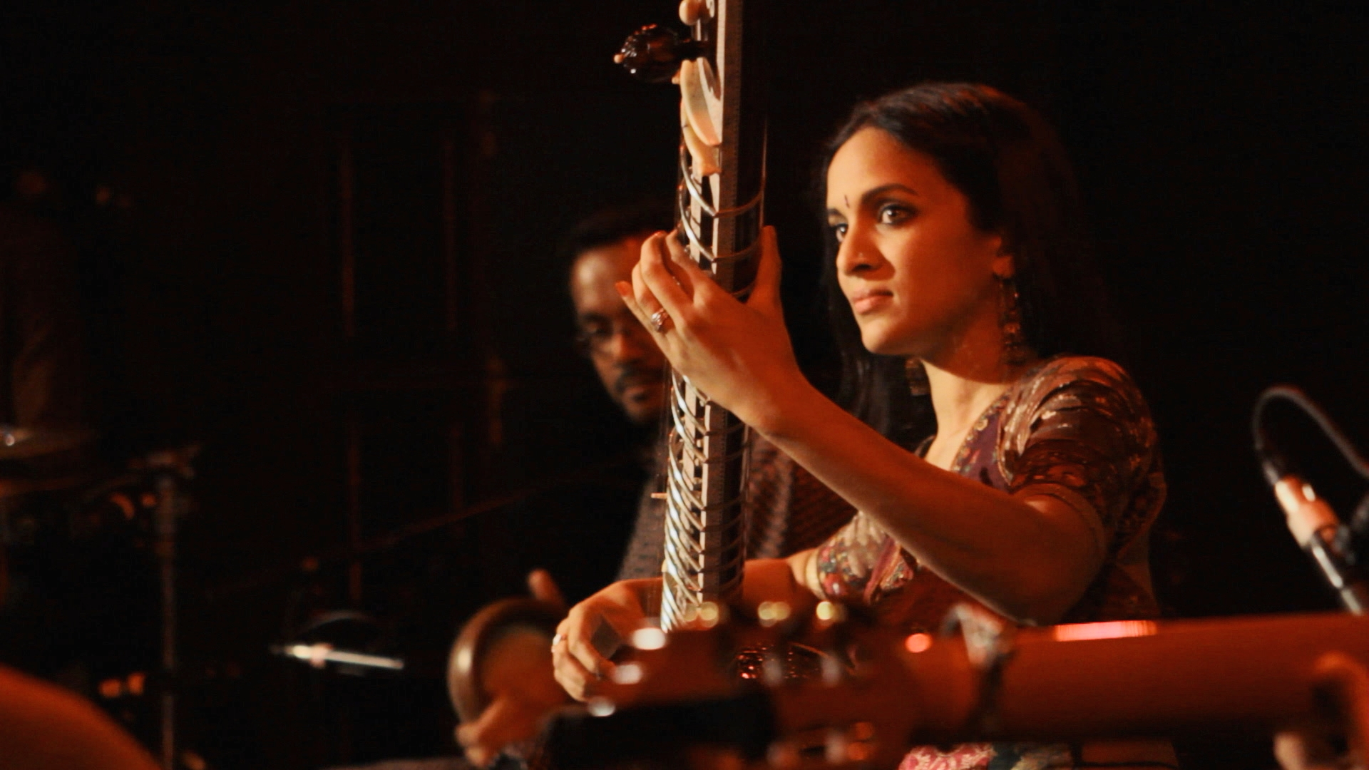 Quick Hits: Anoushka Shankar performs Si No Puedo Verla